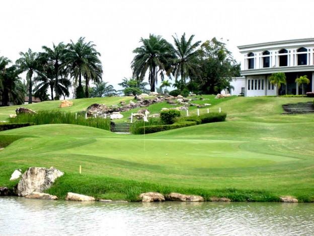 Crystal Bay Golf Club, golf holidays in Pattaya, Thailand