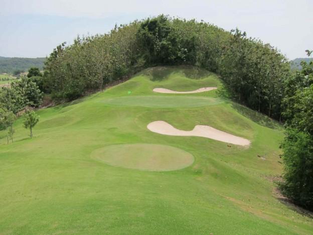 Silky Oak Country Club, golf holidays in Pattaya, Thailand