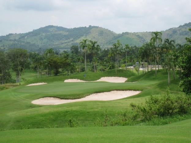 St. Andrews 2000 Golf Club, golf holiday in Pattaya, Thailand