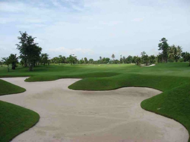 Suwan Golf and Country Club, golf tours in Bangkok, Thailand